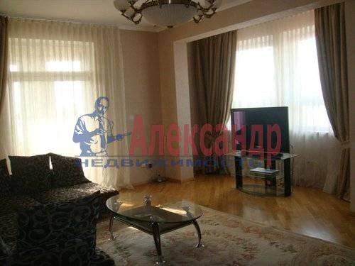 2-комнатная квартира (70м2) в аренду по адресу Мытнинская ул., 2— фото 4 из 12