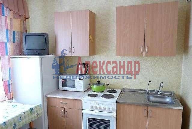 2-комнатная квартира (45м2) в аренду по адресу Большой Сампсониевский пр., 4— фото 1 из 4