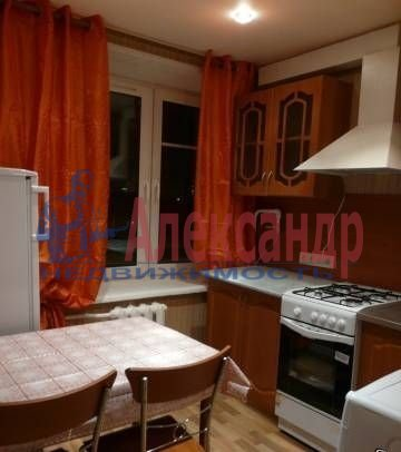 Комната в 2-комнатной квартире (54м2) в аренду по адресу Бухарестская ул., 23— фото 2 из 3