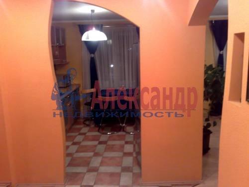 2-комнатная квартира (73м2) в аренду по адресу Варшавская ул., 19— фото 2 из 5