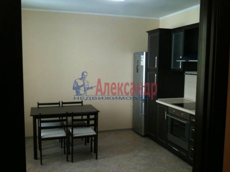 1-комнатная квартира (49м2) в аренду по адресу Большеохтинский пр., 9— фото 1 из 5