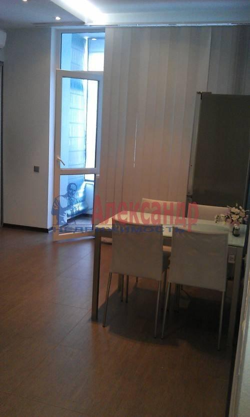 1-комнатная квартира (60м2) в аренду по адресу Коломяжский пр., 15— фото 7 из 19