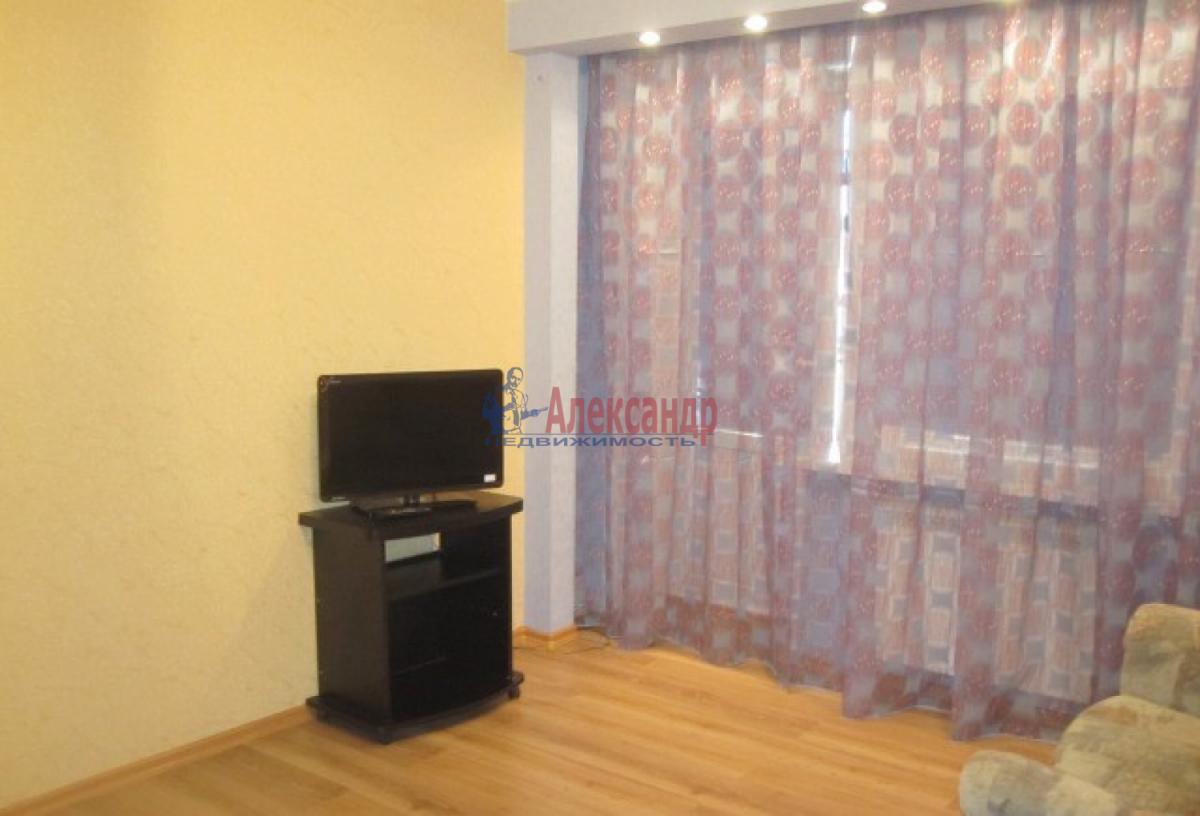 1-комнатная квартира (38м2) в аренду по адресу Ленинский пр., 137— фото 1 из 7