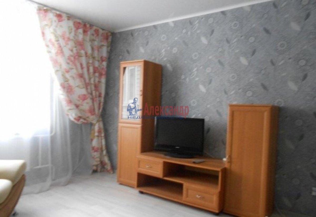 1-комнатная квартира (36м2) в аренду по адресу Типанова ул., 27— фото 2 из 4