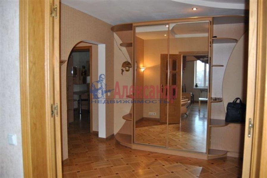 1-комнатная квартира (38м2) в аренду по адресу Мытнинская ул., 15— фото 2 из 4