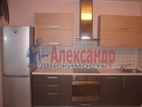 1-комнатная квартира (42м2) в аренду по адресу Ленинский пр., 84— фото 1 из 5
