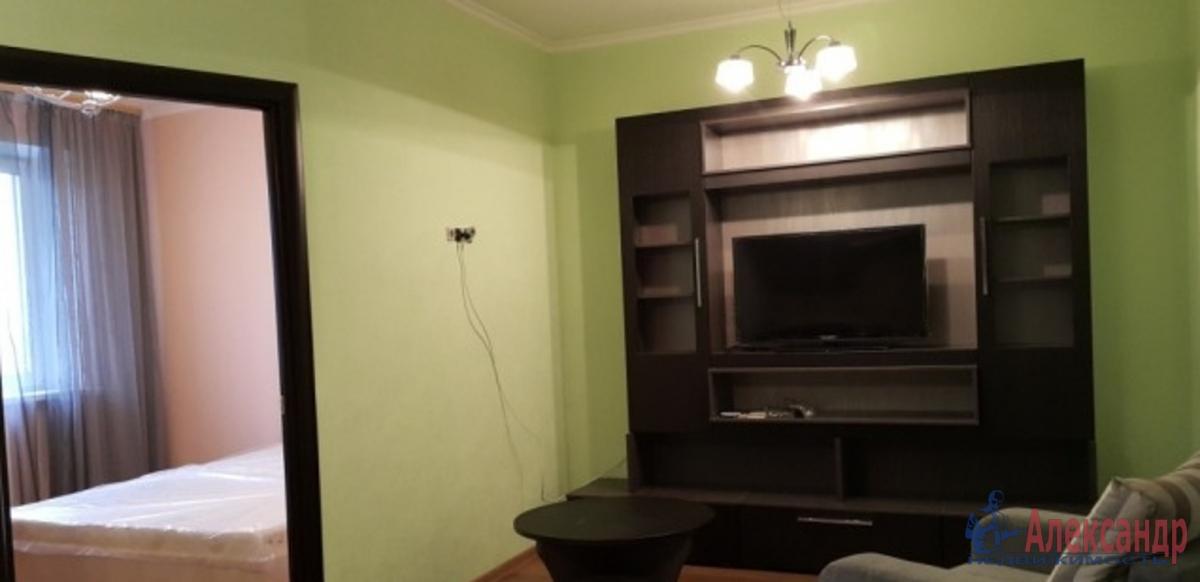 3-комнатная квартира (72м2) в аренду по адресу Караваевская ул., 26— фото 1 из 3