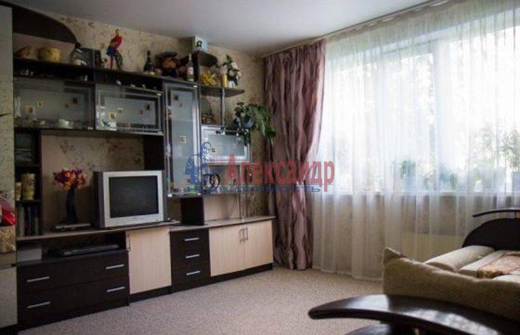 3-комнатная квартира (64м2) в аренду по адресу Художников пр., 18— фото 1 из 5