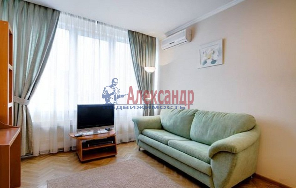1-комнатная квартира (40м2) в аренду по адресу Ильюшина ул., 15— фото 1 из 5