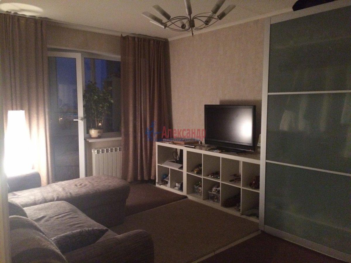 2-комнатная квартира (67м2) в аренду по адресу Ярослава Гашека ул., 15— фото 1 из 6