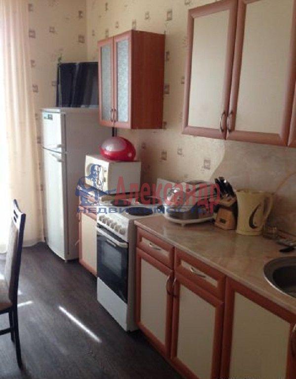 1-комнатная квартира (42м2) в аренду по адресу Звенигородская ул., 7— фото 2 из 4