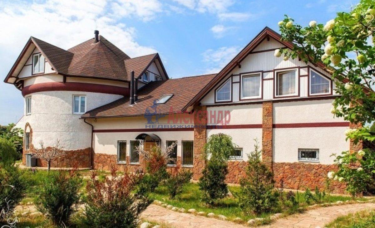 Дом (650м2) в аренду — фото 1 из 7