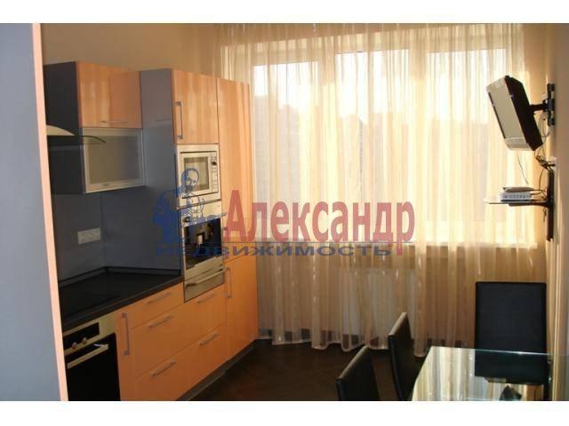 2-комнатная квартира (70м2) в аренду по адресу Бармалеева ул., 15— фото 1 из 6