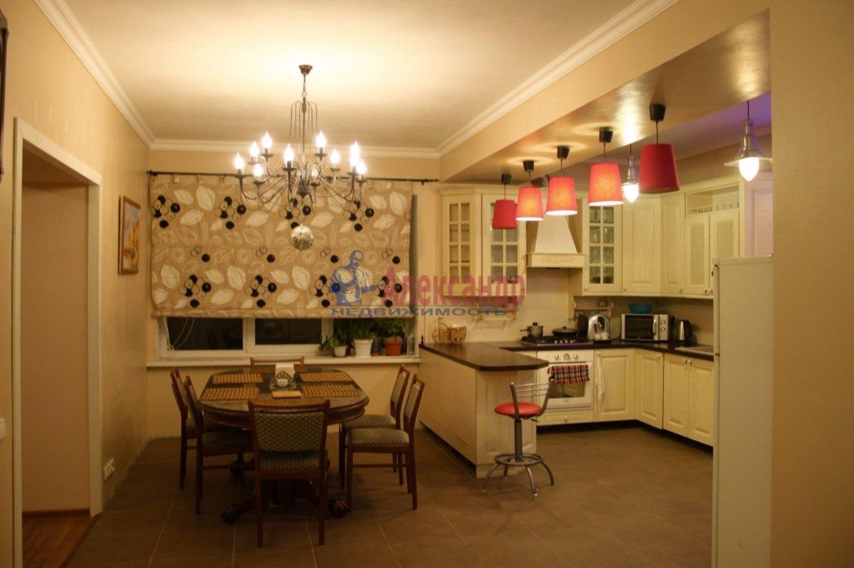 3-комнатная квартира (80м2) в аренду по адресу Беринга ул., 27— фото 1 из 4