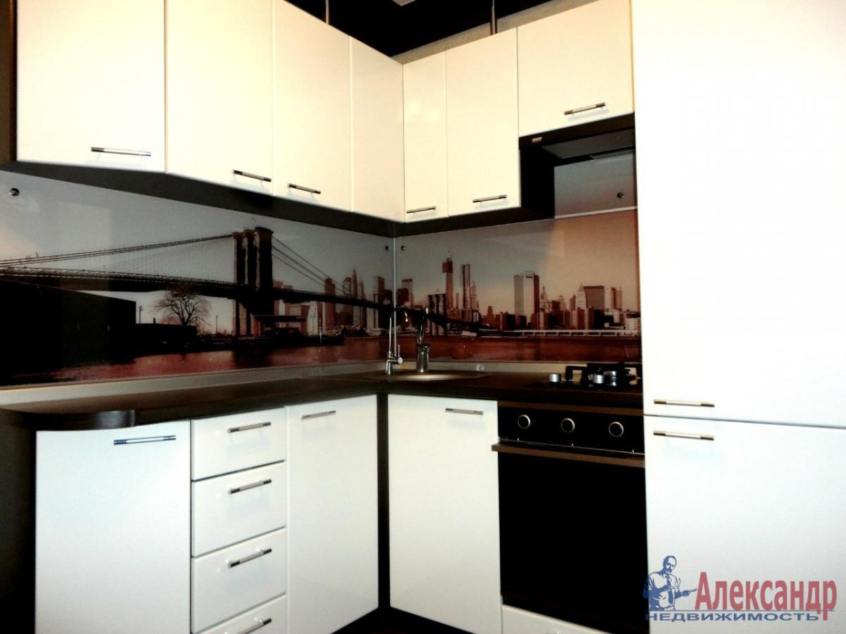 2-комнатная квартира (70м2) в аренду по адресу Рубинштейна ул., 15— фото 2 из 4