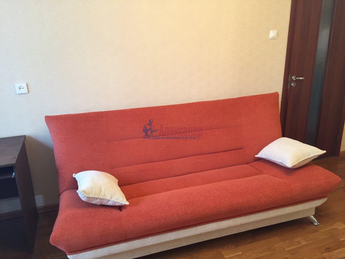 1-комнатная квартира (35м2) в аренду по адресу Шлиссельбургский пр., 45— фото 7 из 13