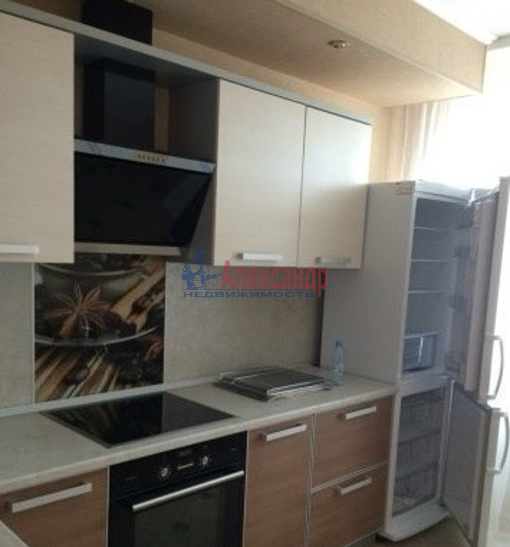 2-комнатная квартира (53м2) в аренду по адресу Кондратьевский пр., 64— фото 3 из 5