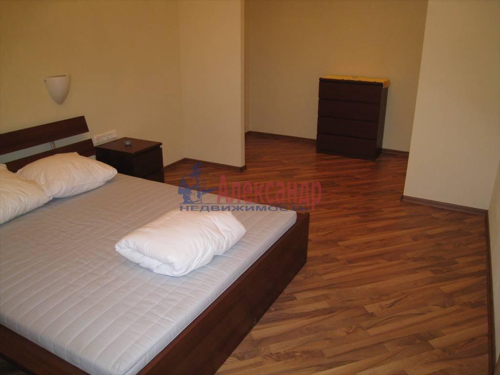 3-комнатная квартира (110м2) в аренду по адресу Невский пр., 16— фото 3 из 5