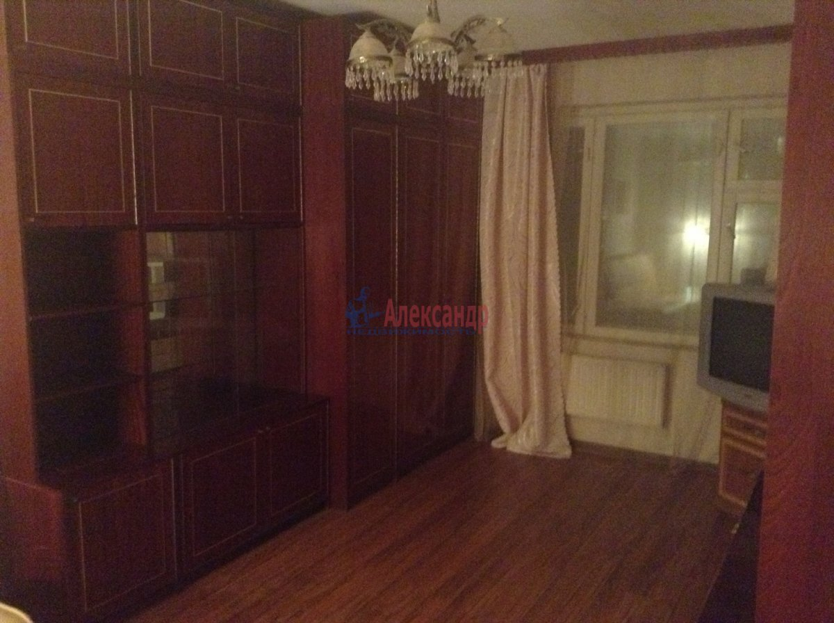 1-комнатная квартира (40м2) в аренду по адресу Пулковское шос., 13— фото 2 из 7