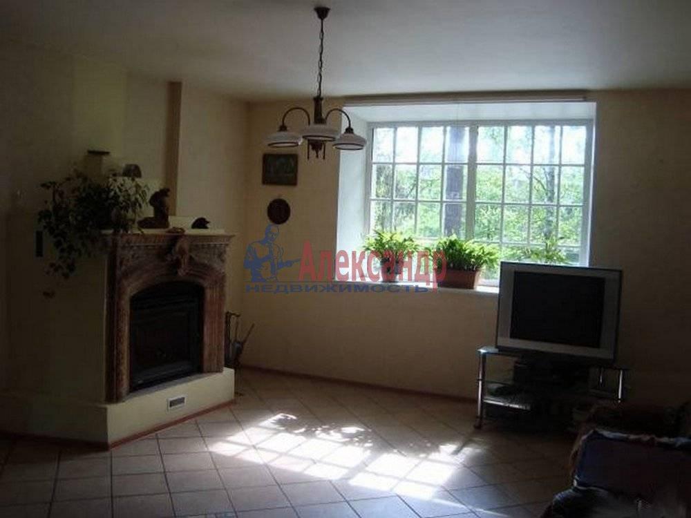Дом (200м2) в аренду — фото 1 из 9