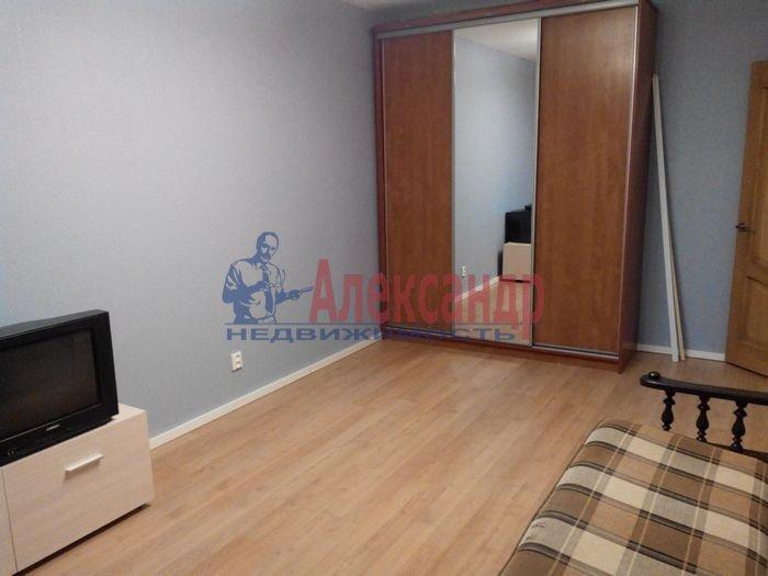 1-комнатная квартира (35м2) в аренду по адресу Демьяна Бедного ул., 2— фото 3 из 10
