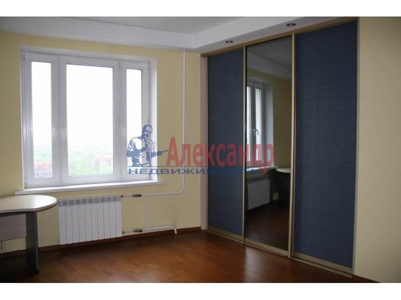 3-комнатная квартира (130м2) в аренду по адресу Тореза пр., 112— фото 4 из 9