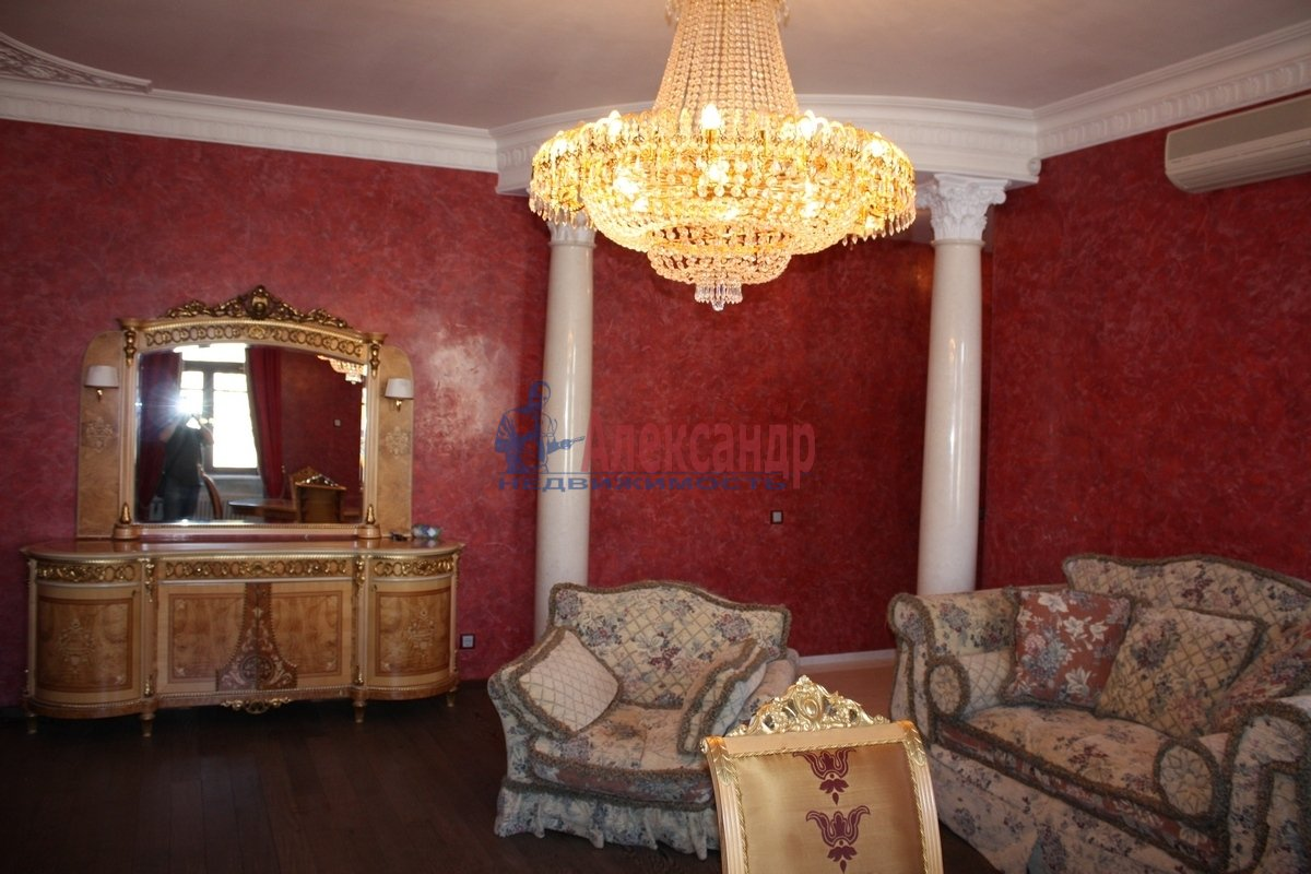 2-комнатная квартира (80м2) в аренду по адресу Караванная ул., 3— фото 2 из 6