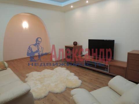 2-комнатная квартира (74м2) в аренду по адресу Луначарского пр., 11— фото 2 из 6