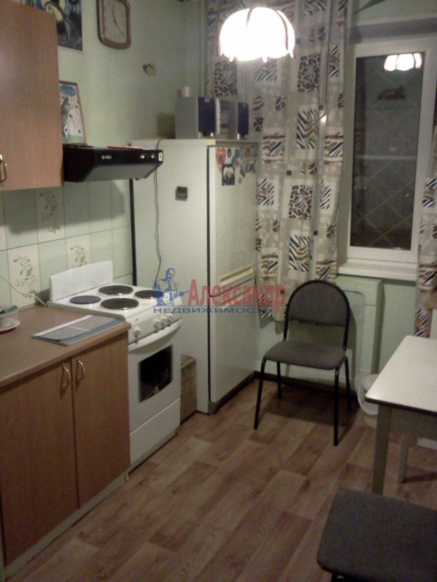 2-комнатная квартира (56м2) в аренду по адресу Ленская ул., 3— фото 3 из 5