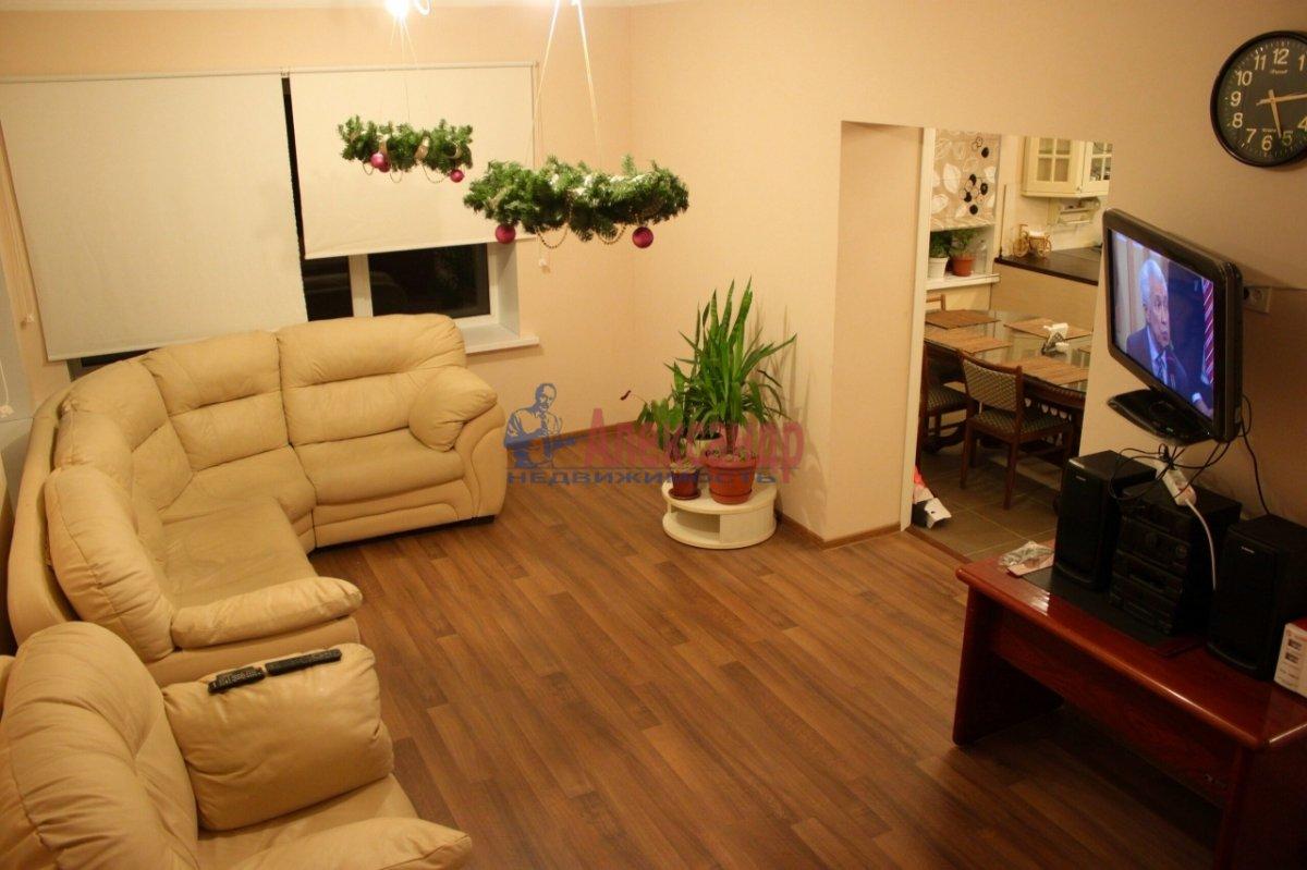 3-комнатная квартира (80м2) в аренду по адресу Беринга ул., 27— фото 2 из 4