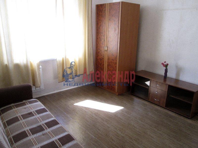 1-комнатная квартира (34м2) в аренду по адресу Коломяжский пр., 20— фото 2 из 2