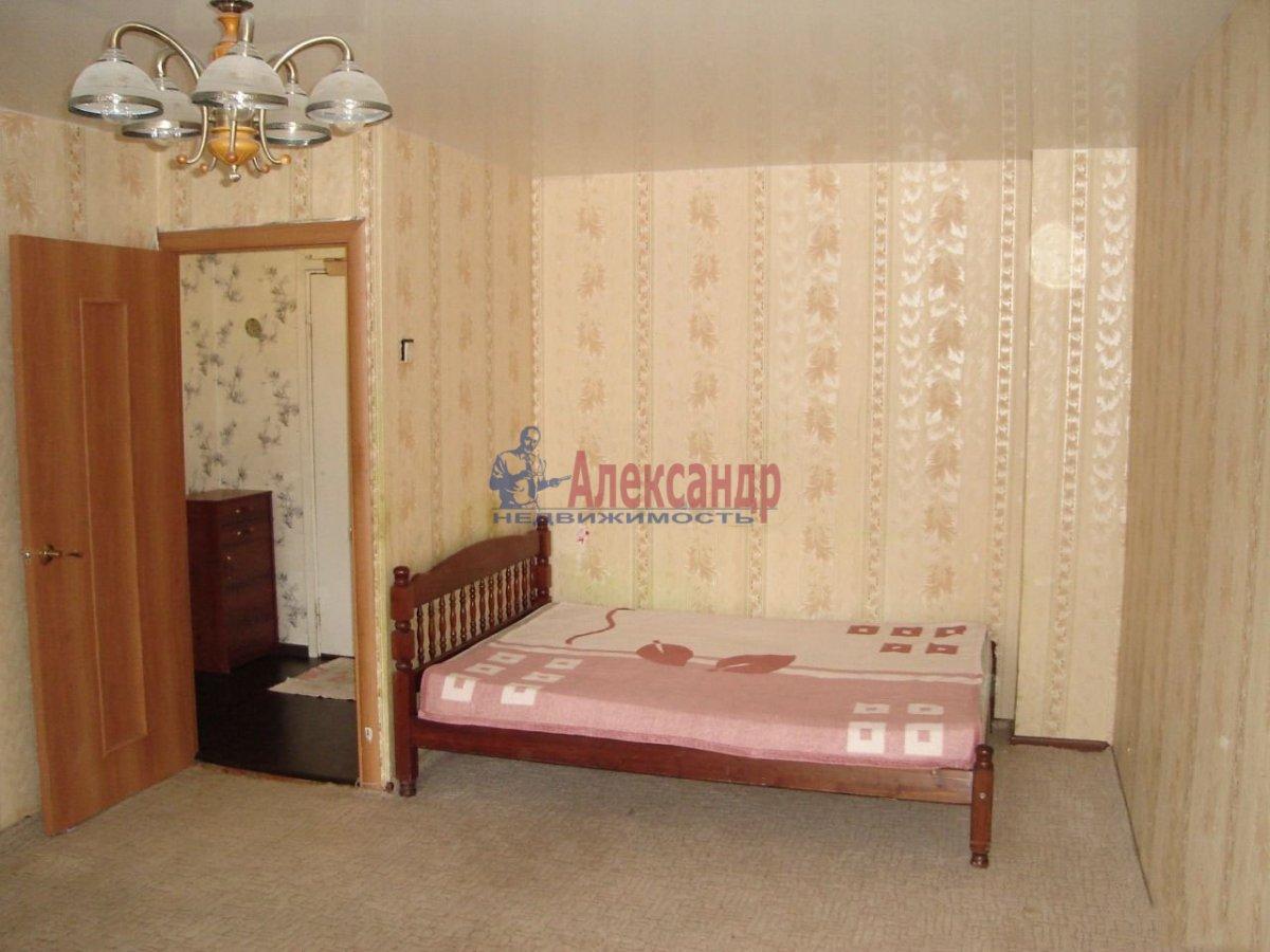 1-комнатная квартира (39м2) в аренду по адресу Новоизмайловский просп., 44— фото 3 из 4