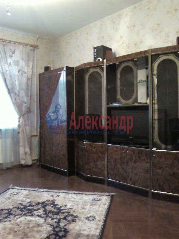 2-комнатная квартира (67м2) в аренду по адресу Миргородская ул., 12— фото 3 из 4