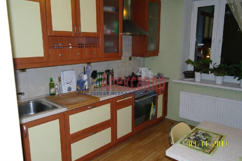 2-комнатная квартира (59м2) в аренду по адресу Варшавская ул.— фото 2 из 4