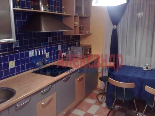 2-комнатная квартира (73м2) в аренду по адресу Варшавская ул., 19— фото 3 из 5