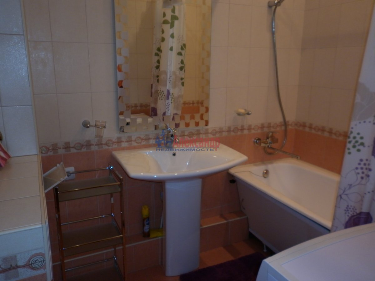 2-комнатная квартира (80м2) в аренду по адресу Асафьева ул., 5— фото 5 из 11