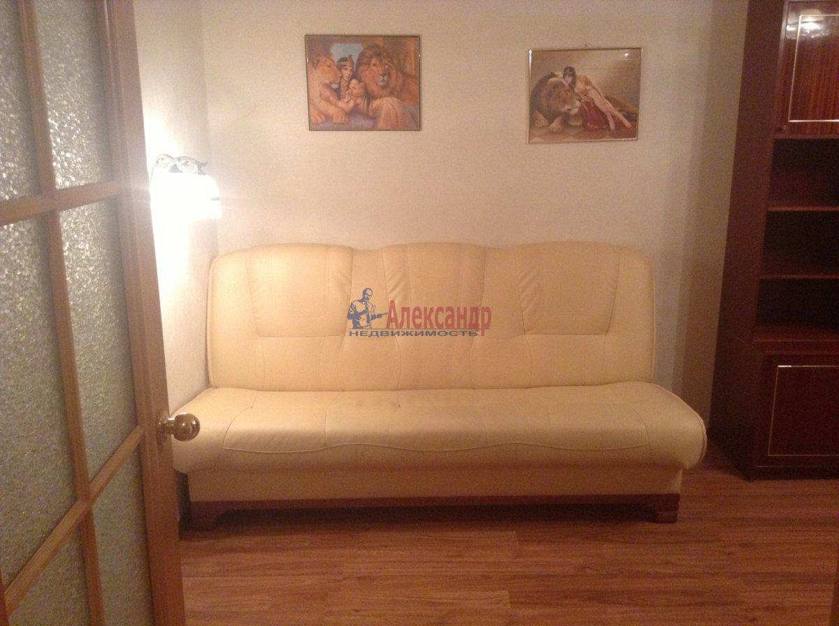 1-комнатная квартира (40м2) в аренду по адресу Пулковское шос., 13— фото 3 из 7