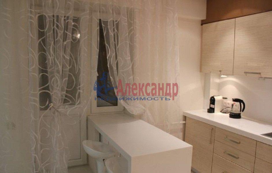 3-комнатная квартира (78м2) в аренду по адресу Каменноостровский пр., 45— фото 5 из 8