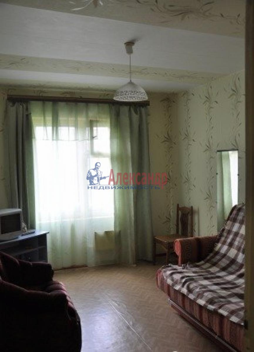 Комната в 2-комнатной квартире (50м2) в аренду по адресу Белышева ул., 4— фото 3 из 4