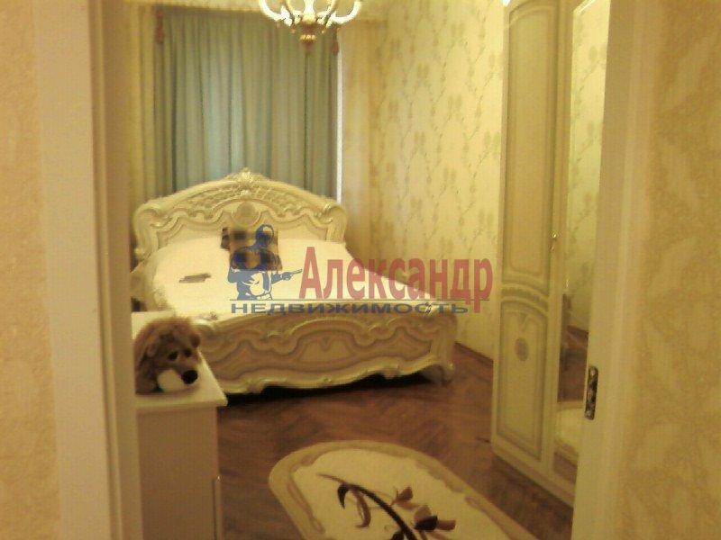 2-комнатная квартира (67м2) в аренду по адресу Миргородская ул., 12— фото 1 из 4