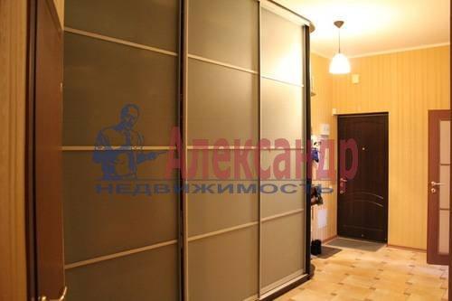 2-комнатная квартира (70м2) в аренду по адресу Обуховской Обороны пр., 138— фото 3 из 9