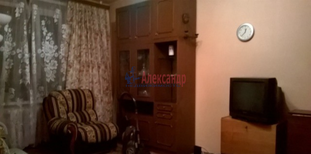 1-комнатная квартира (43м2) в аренду по адресу Ленинский пр., 108— фото 3 из 6