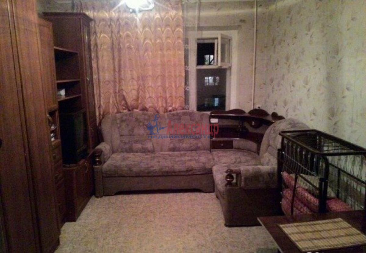 Комната в 2-комнатной квартире (52м2) в аренду по адресу Маршала Новикова ул., 13— фото 1 из 3