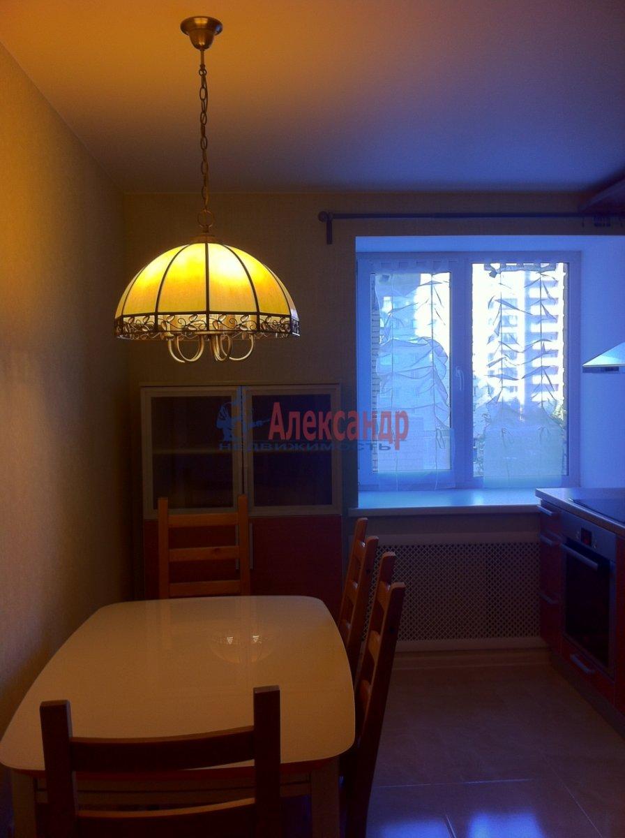 2-комнатная квартира (54м2) в аренду по адресу Новосмоленская наб., 1— фото 11 из 15