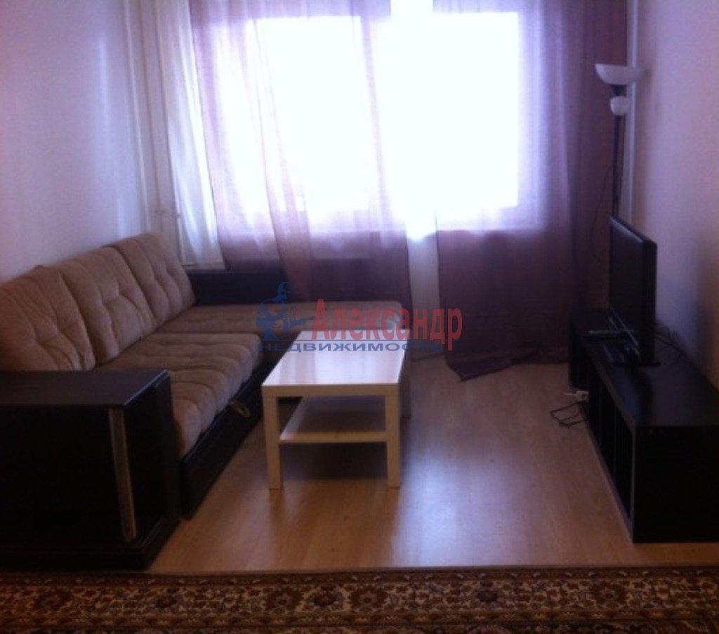 1-комнатная квартира (42м2) в аренду по адресу Хасанская ул., 10— фото 1 из 4