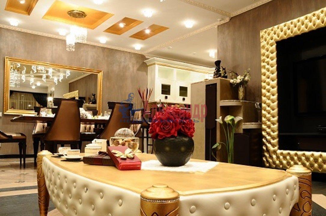 3-комнатная квартира (126м2) в аренду по адресу Английская наб.— фото 1 из 14