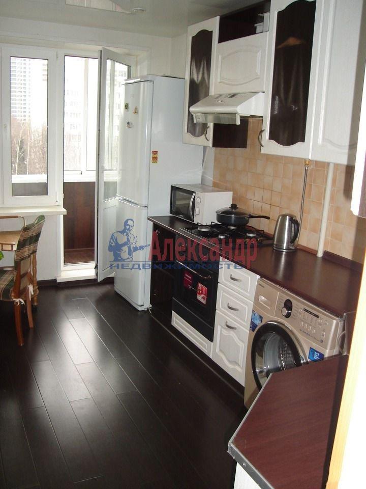 1-комнатная квартира (39м2) в аренду по адресу Новоизмайловский просп., 44— фото 1 из 4