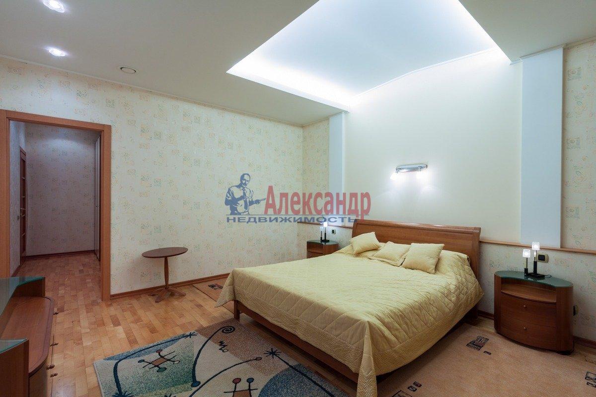 2-комнатная квартира (108м2) в аренду по адресу 3 линия В.О.— фото 3 из 9