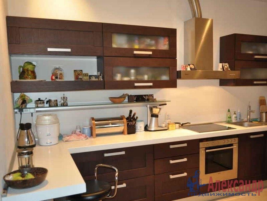 3-комнатная квартира (100м2) в аренду по адресу Коломяжский пр., 15— фото 1 из 3
