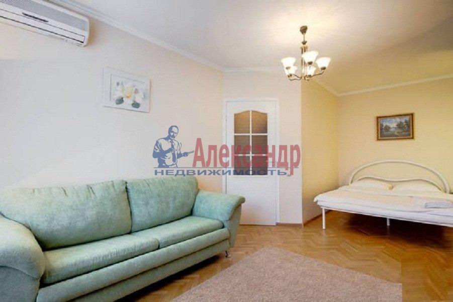 1-комнатная квартира (40м2) в аренду по адресу Ильюшина ул., 15— фото 2 из 5